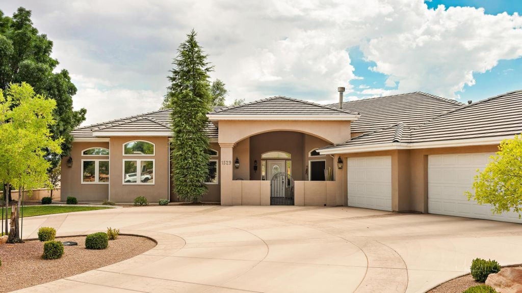4 Bedroom Home on Bloomington Golf Course in St. George